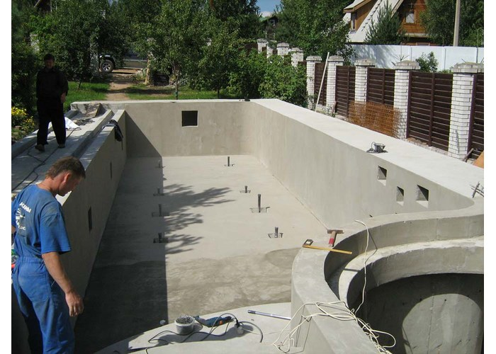Как сделать стационарный бассейн из бетона на даче